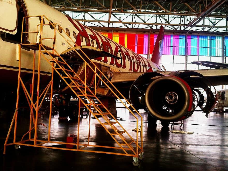 La Iaşi va funcționa un centru de mentenanţă pentru avioanele civile de tip Airbus 320 şi Boeing 737
