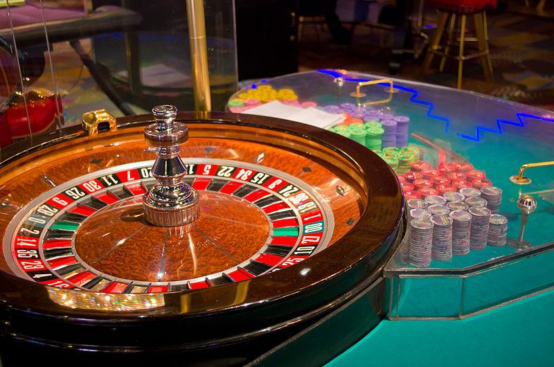 Scădere de peste zece ori a profitului companiilor de pe piaţa jocurilor de noroc şi a pariurilor din România