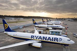 Ryan Air va deschide în octombrie o bază la București și estimează că va transporta circa două milioane de pasageri în 2017