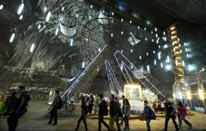Aproape 550.000 de turiști au vizitat anul trecut Salina Turda