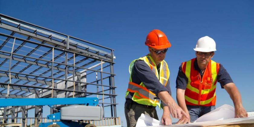 Constructorii evaluează posibilitatea suspendării temporare a derulării contractelor, în contextul escaladării preţurilor la materialele de construcţii