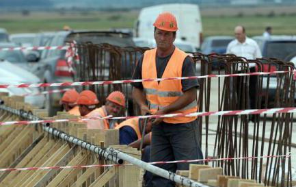 Piața construcțiilor se îndreaptă spre criză, dacă băncile continuă să limiteze accesul la credite