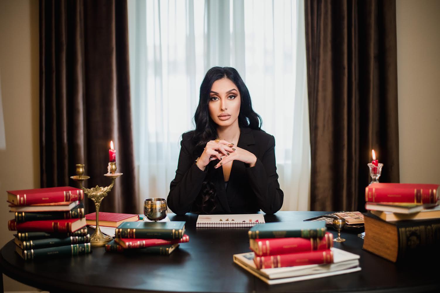 Antreprenoarea româncă de origine libaneză Sarah Sarrad a transformat pasiunea pentru animale dintr-un hobby într-un business de succes