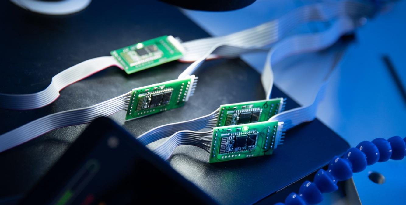 Producătorii auto vor pierde venituri de +100 miliarde dolari din cauza deficitului global de semiconductori