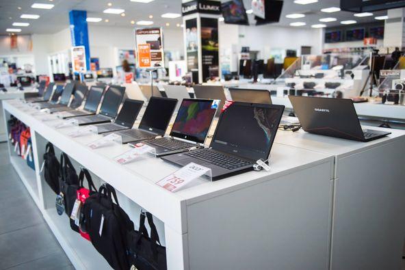 Vânzările de PC-uri au înregistrat cea mai mai mare creştere din ultimii 20 de ani în primul trimestru