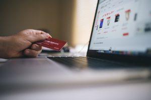 Preferinţa pentru cumpărăturile online se află în creştere