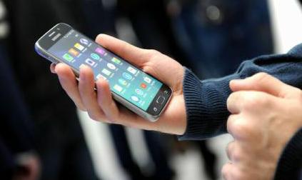 Cât de dependenți sunt managerii români de dispozitivele electronice?