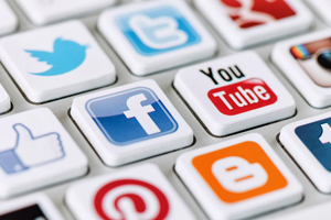 Aproape trei sferturi dintre companiile românești apelează la rețelele sociale pentru promovare sau recrutare
