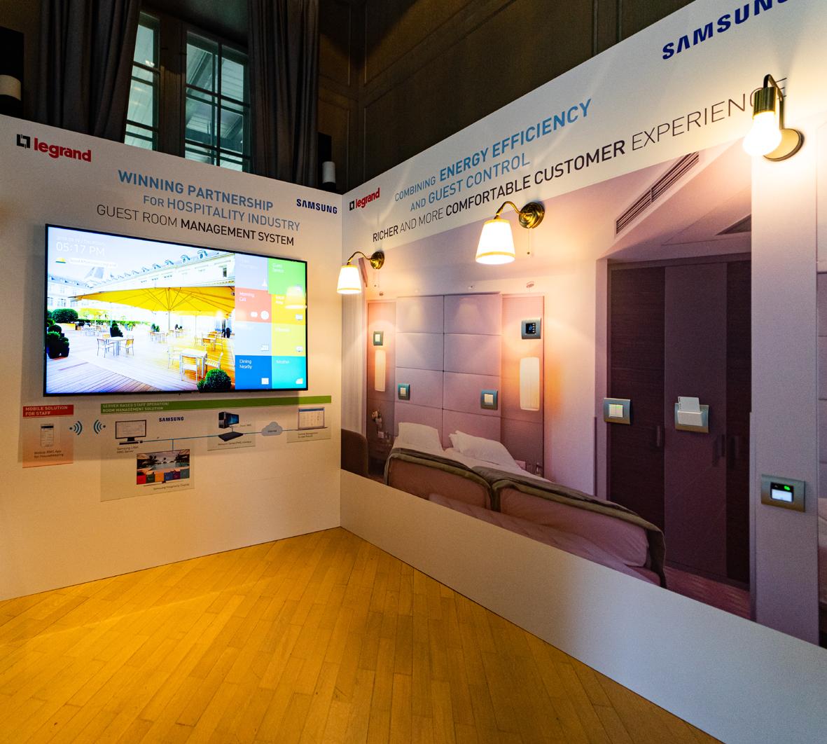 Legrand și Samsung lansează în premieră în România o soluție pentru camere de hotel inteligente