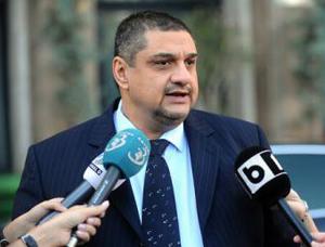 Vasile Ştefănescu (COTAR): Piaţa de asigurări din România este o bombă cu ceas care va exploda în acest an