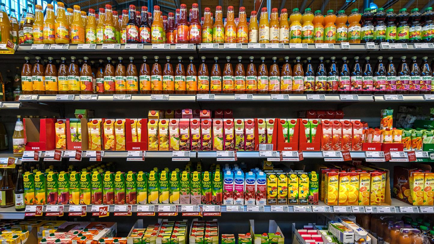 FNSIA: Ministrul Finanţelor descurajează consumul de sucuri şi îl încurajează pe cel de alcool