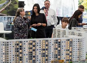 Peste 10.000 de locuinţe sunt scoase la vânzare la ediţia de primăvară a Târgului Imobiliar Naţional – tIMOn
