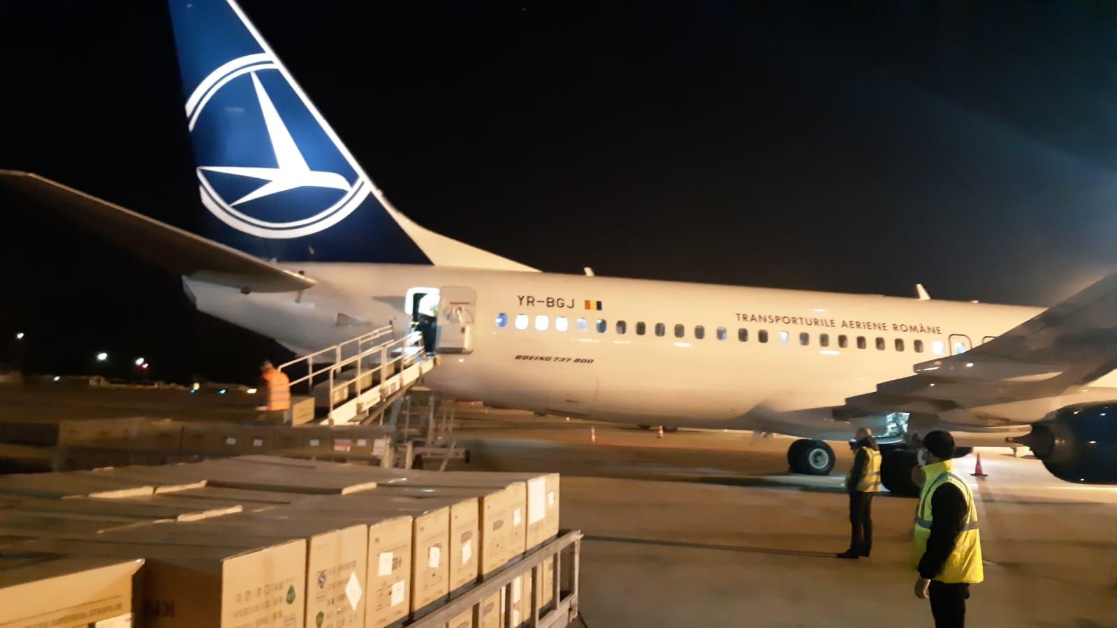 TAROM își adaptează aeronavele pentru a putea transporta echipamente medicale în regim full cargo