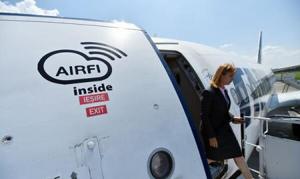 TAROM lansează din august un serviciu de intranet la bordul aeronavelor