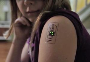 Tatuaj electronic pentru supravegherea stării de sănătate, pregătit de o firmă americană