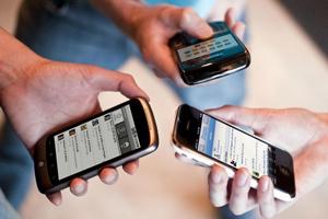 91% dintre români utilizează cel puțin o dată pe zi telefonul mobil pentru convorbiri