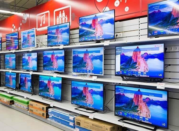 Televizoarele și telefoanele smart țin pe plus piaţa electro-IT din România
