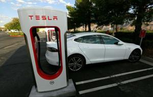 Tesla intenționează să producă automobile electrice și în Europa