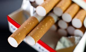 Întârzierea transpunerii Directivei tutunului generează pierderi pentru comercianţi, producători şi buget, afirmă producătorii de ţigări