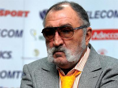 Cel mai bogat român, Ion Ţiriac, a urcat 49 de poziţii, până pe locul 1.818, în topul Forbes
