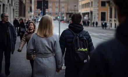 Românii, mult mai pesimişti decât ceilalţi europeni în privinţa situaţiei locului lor de muncă în următorul an