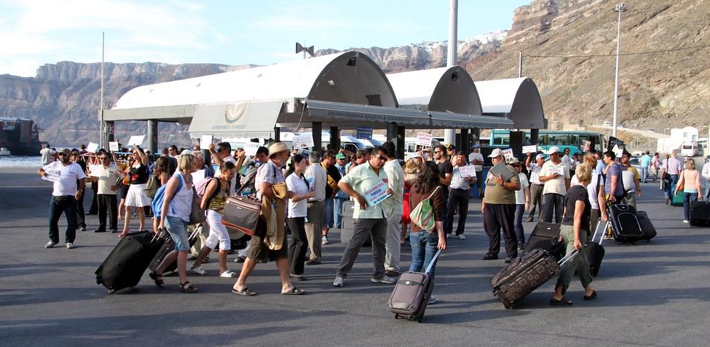 UE va recomanda redeschiderea progresivă a frontierelor interioare pentru vacanţele de vară