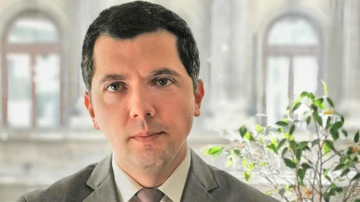 Valentin Tătaru preia funcţia de economist-şef pentru ING Bank România