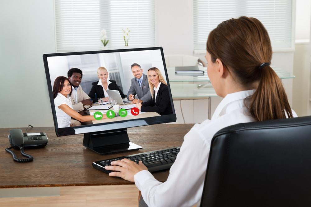 Tot mai multe companii s-au adaptat la noul context și apelează la video interviuri, ca alternativă la interviurile tradiționale, față în față